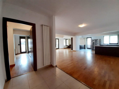 Apartament generos KISELEFF, Arcul de Triumf